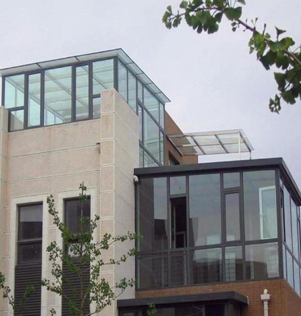 玻璃幕墙贴膜助力建筑节能的改造